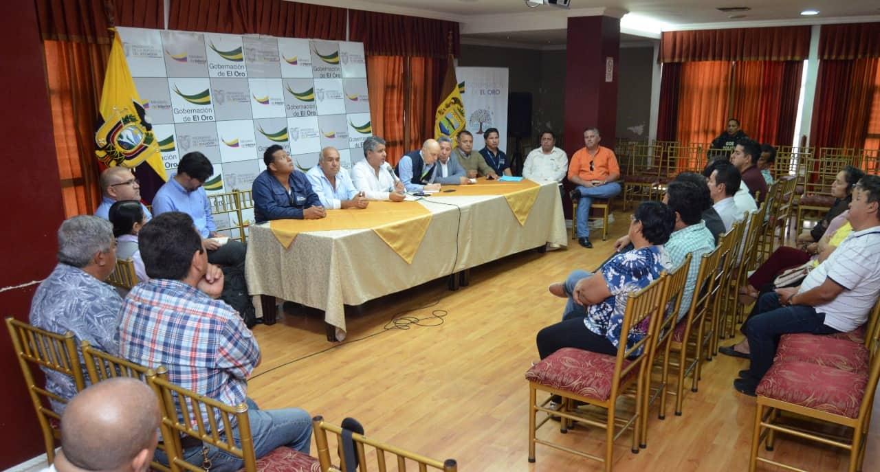 Comerciantes de hidrobiológicos de Huaquillas y autoridades asumen compromisos