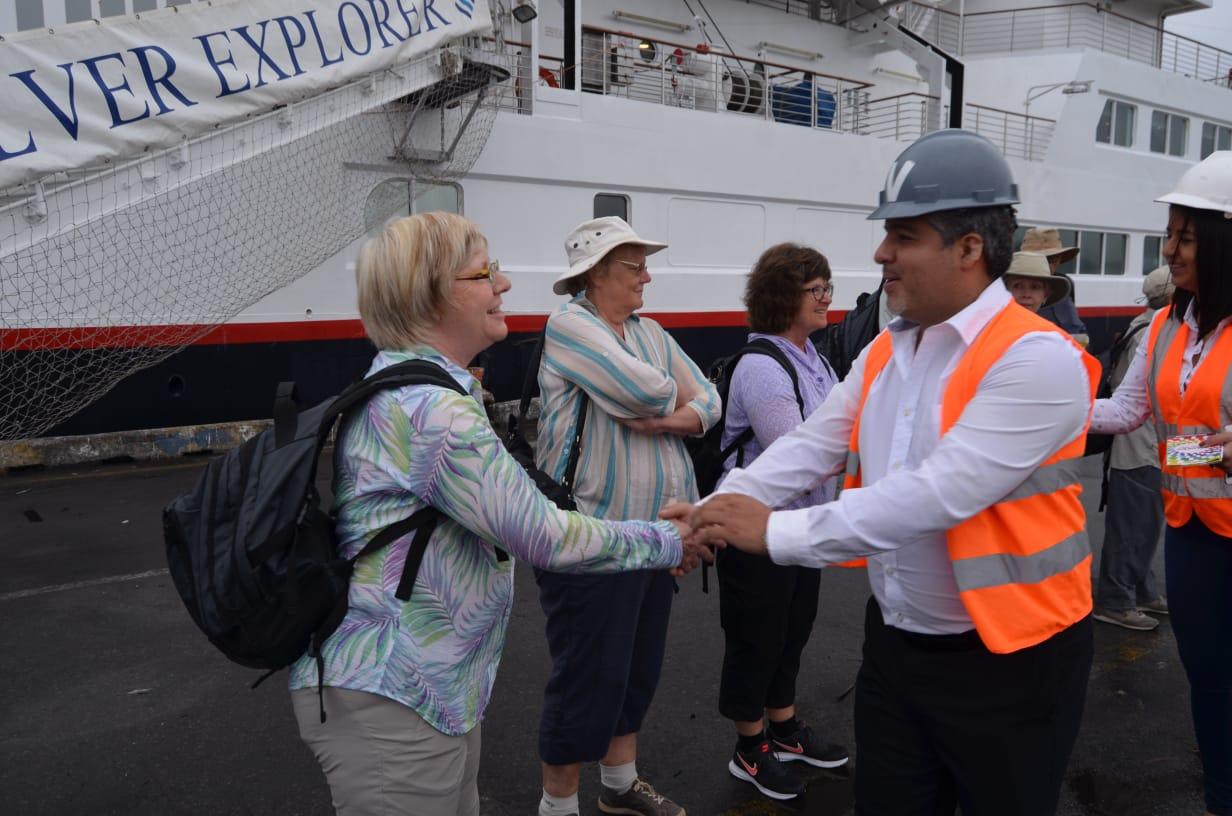Gobernador Maridueña recibió a visitantes del Crucero Silver Explorer