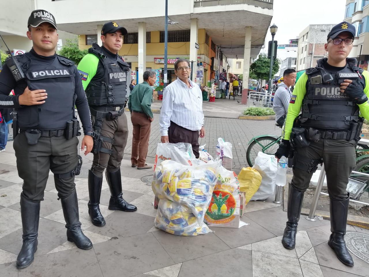 Comisaría de Machala decomisó productos caducados y otros de dudosa procedencia