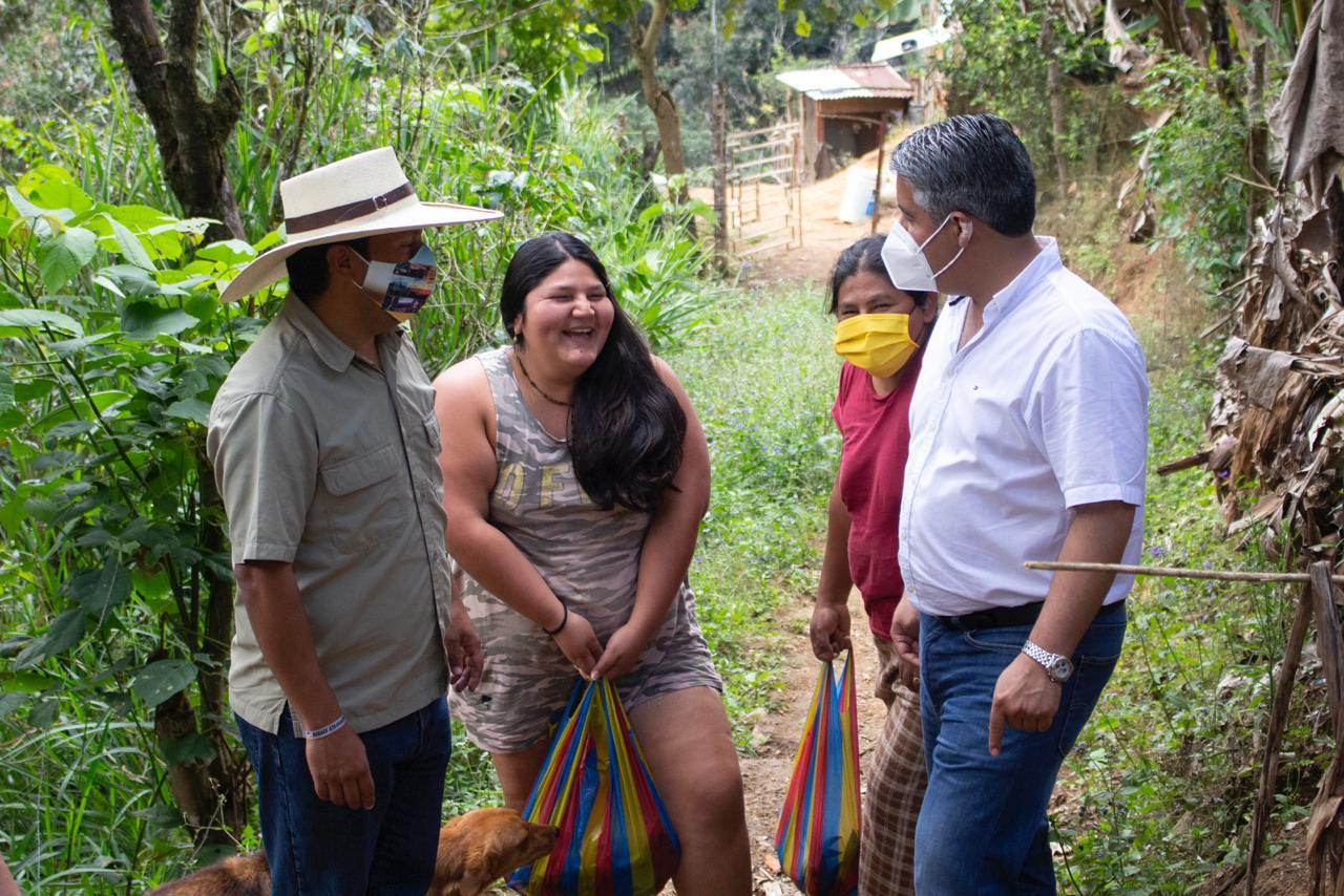 Gobernador Maridueña entregó pescado y banano  a comunidades del cantón Atahualpa