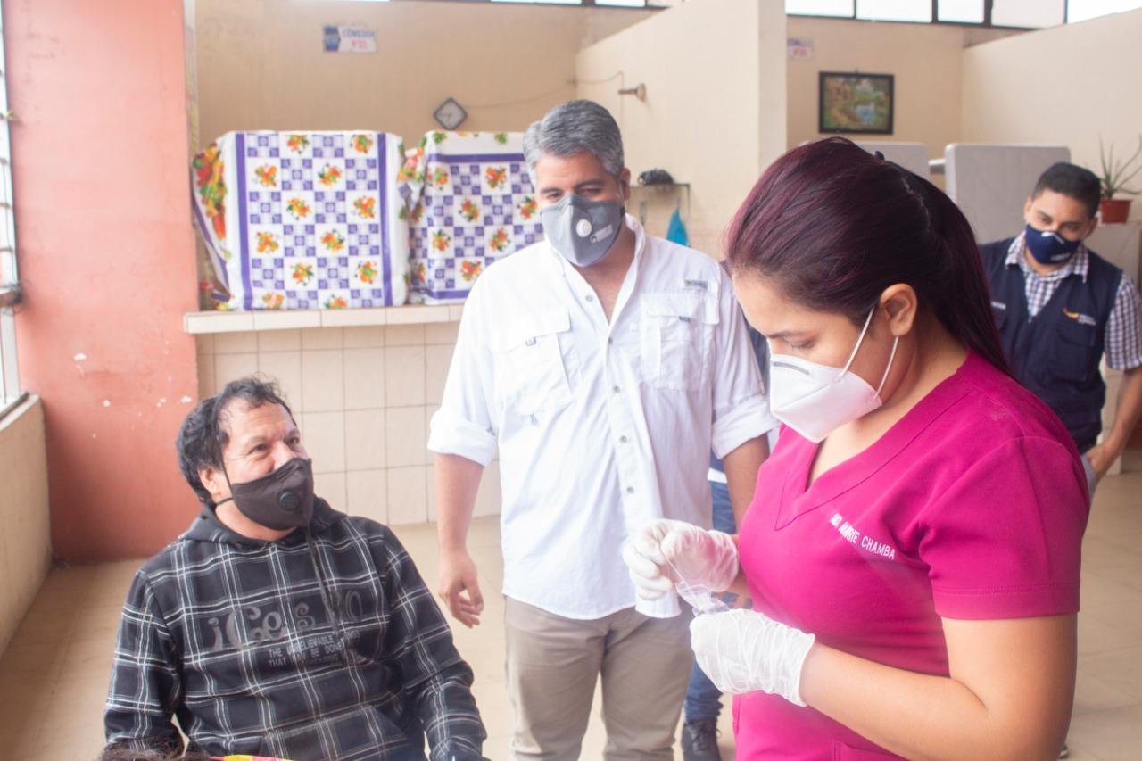 Por gestiones del gobernador Maridueña se aplican pruebas covid a gremios de Pasaje y Piñas