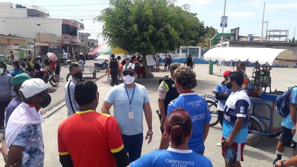 Comisario de Policía interviene evento con presencia masiva de ciudadanos