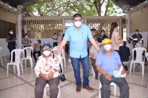 Se habilitarán dos puntos adicionales para vacunación contra el covid-19 en Machala, mientras proceso sigue en Hospital del Sur