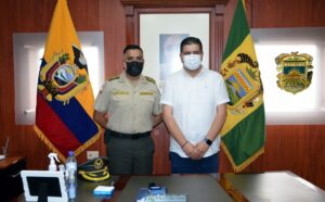 Un alto funcionario de la policía nacional se suma al trabajo del Comando Subzona El Oro