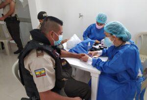 Ministerio de Salud Pública vacunó a personal policial del Distrito Machala